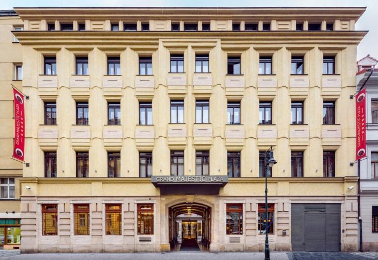 façade de l'hôtel Prague marathon