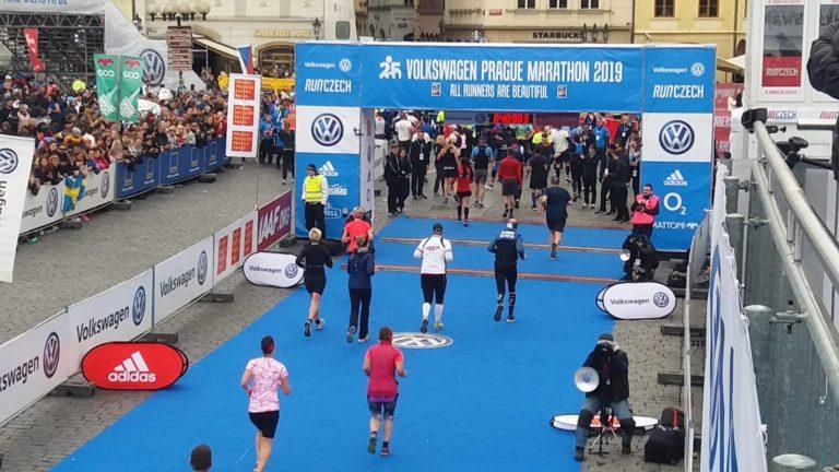arrivée du marathon de Prague 2020