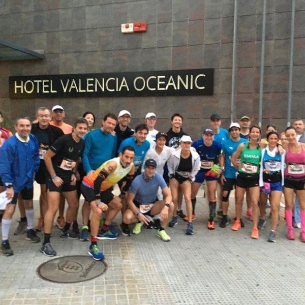 Devant l'hôtel pour le départ du marathon de Valence